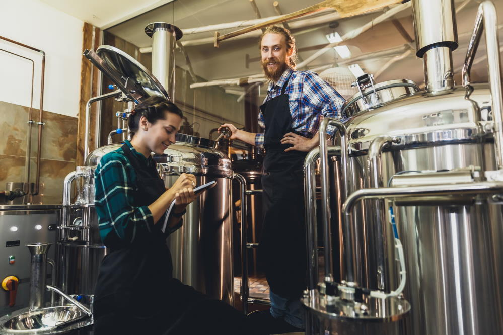 Brewing craft beer in a microbrewery